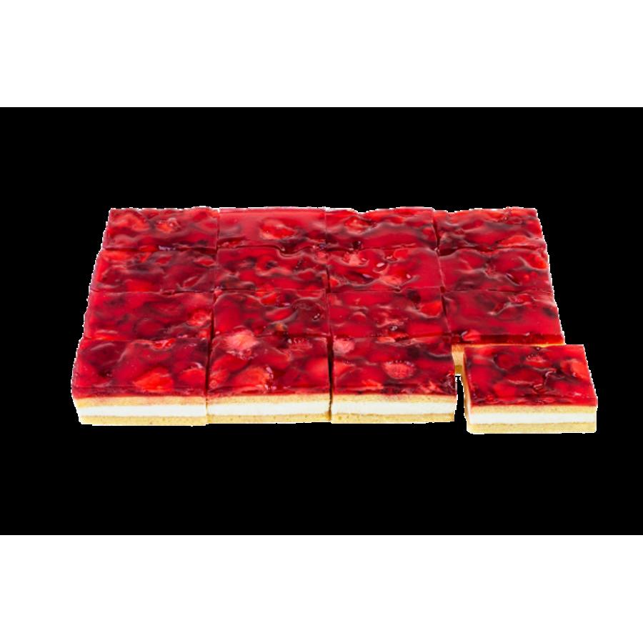 Клубничный торт с взбитыми сливками